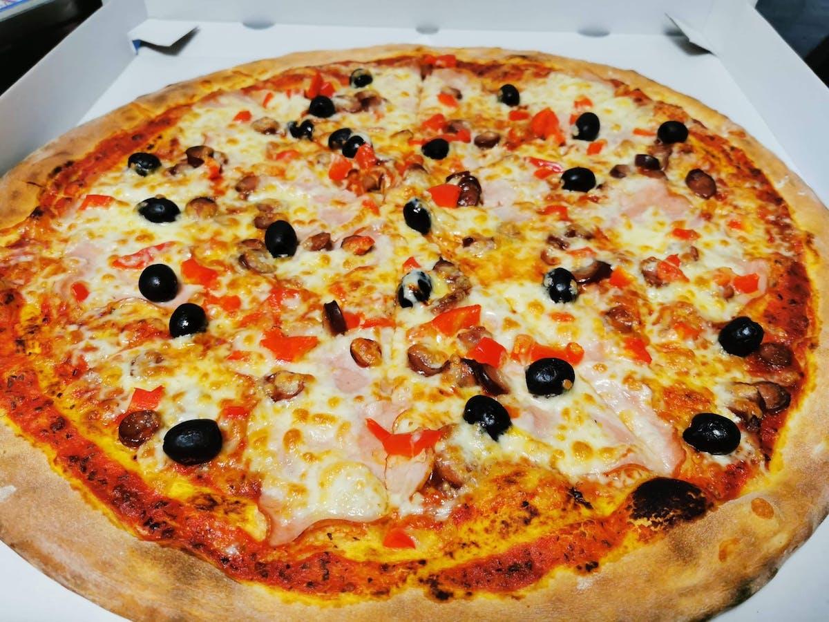 Pizza La Bella 51