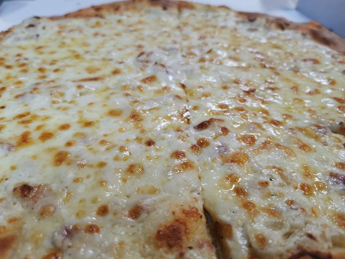 Pizza Carbonara 25