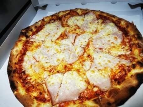 Pizza Vesuviana 3