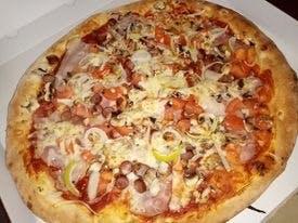 Pizza Wiejska40