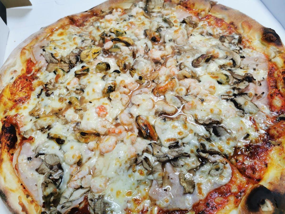 Pizza Quattro Stagioni 15