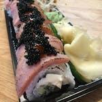 Uramaki maguro roll