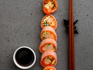 Sashimi soya shake roll