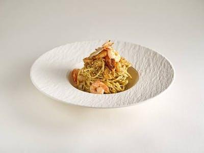 Spaghetti al pesto Genovese e gamberi
