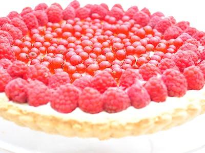 Tarta z mascarpone i świeżymi owocami