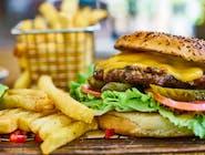 Wołowina Burger + Frytki + Sałatka