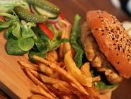 Kurczak Burger + Frytki + Sałatka