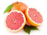 Świeżo wyciskany sok z grapefruita