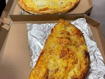 Pizza Calzone(prekladaná) a Quattro Formaggi