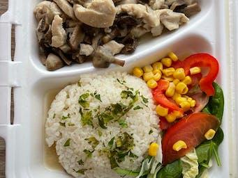 Kuracie soté so šampiňónmi a ryžou