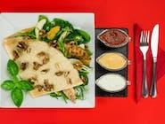 22. Naleśnik - Grillowana polędwiczka z kurczaka, świeże liście szpinaku, rukola, gruszka, pomarańcz, ser Lazur, orzechy włoskie // sos
