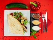21. Naleśnik - Grillowana polędwiczka, cukinia, papryka, mix sałat, rukola  // sos