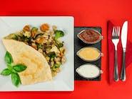 18. Naleśnik - Kurczak gyros, grillowane warzywa (brokuł, kalafior, marchew, cebula czerwona) // sos koperkowy