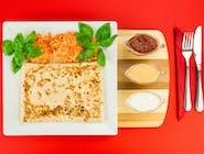 2. Naleśnik - Mięso mielone, ser żółty, sos smoczy, fasola czerwona // sos