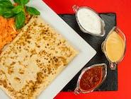 6. Naleśnik - Kabanosy, papryka ostra, ser żółty, cebula // sos