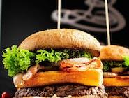 Burger Zbójnicki zestaw z frytkami belgijskimi i Pepsi 0,5 l.