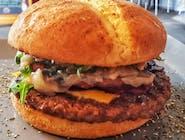 Burger Węgier (z plackiem ziemniaczanym)