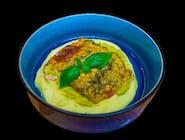 Mintaj z serem i ziołami z puree wasabi i musem z zielonego groszku