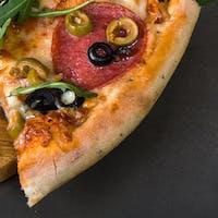 3 + 1 šunková pizza grátis!